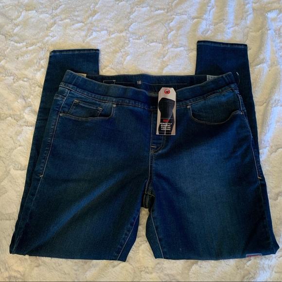 7d12c8b706913 Levi's Jeans   Levis Perfectly Shaping Pullon Leggings   Poshmark